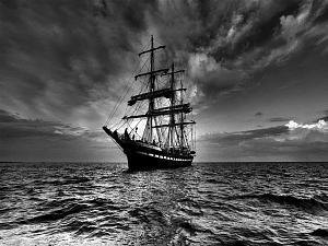 ღ ÑæÚÉ ÇááÞÇÁ Èíä ÇáÃÈíÖ æÇáÃÓæÏ æÇáÑãÇÏí ღ-sailing-ship.jpg